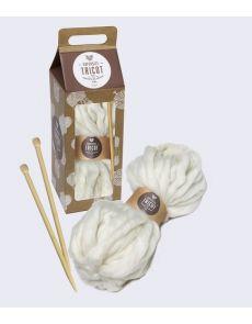 Supersize tricot - Près de 10 projets de tricot XXL - Coffret avec une pelote XXL et 1 paire d'aiguilles XXL - Seize Paris